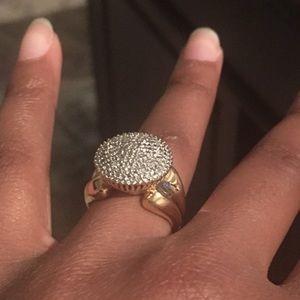 Unique statement Ring Gold pltd Silver size 7